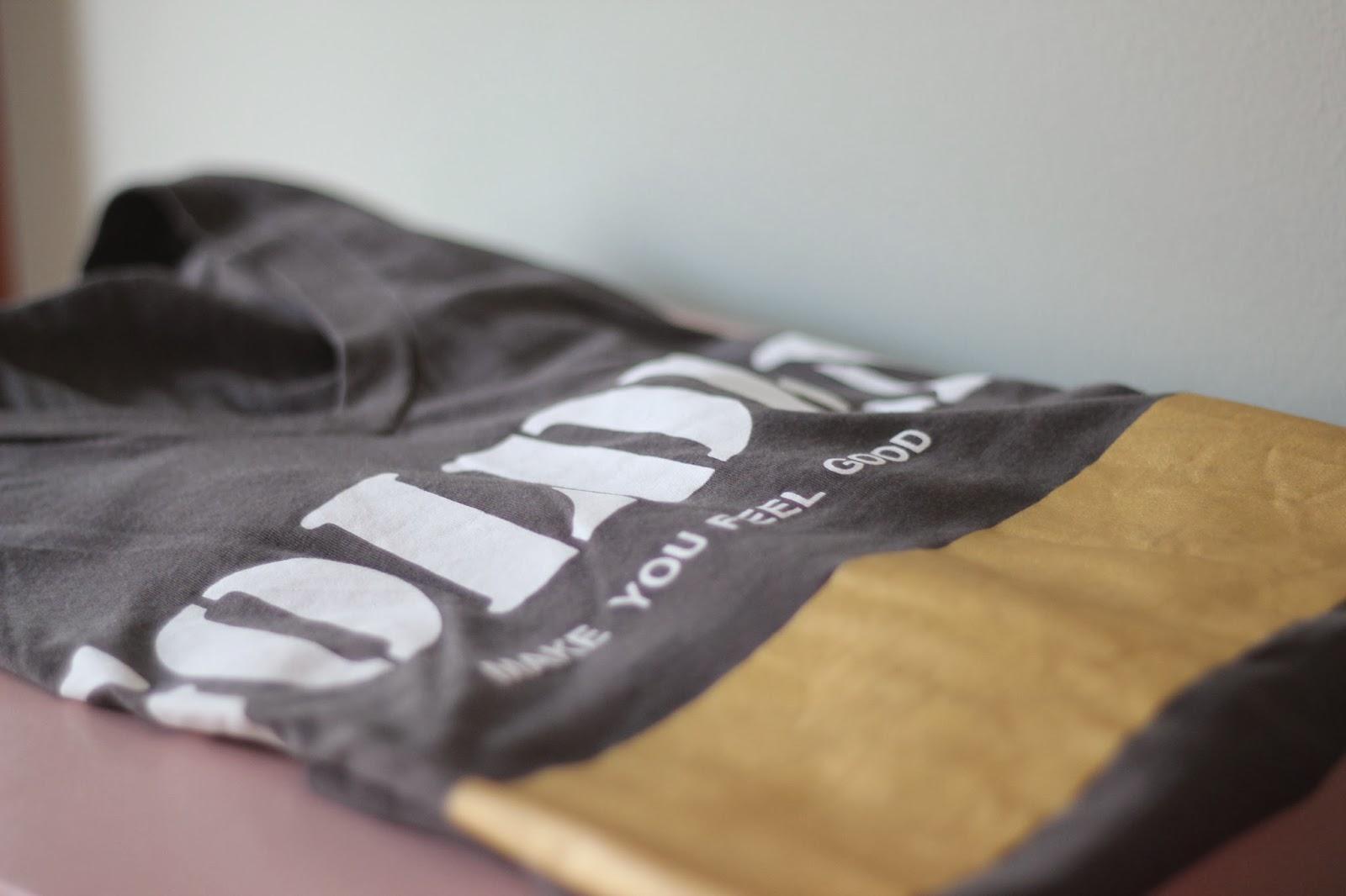 photo-camiseta-tshirt-gold-zara