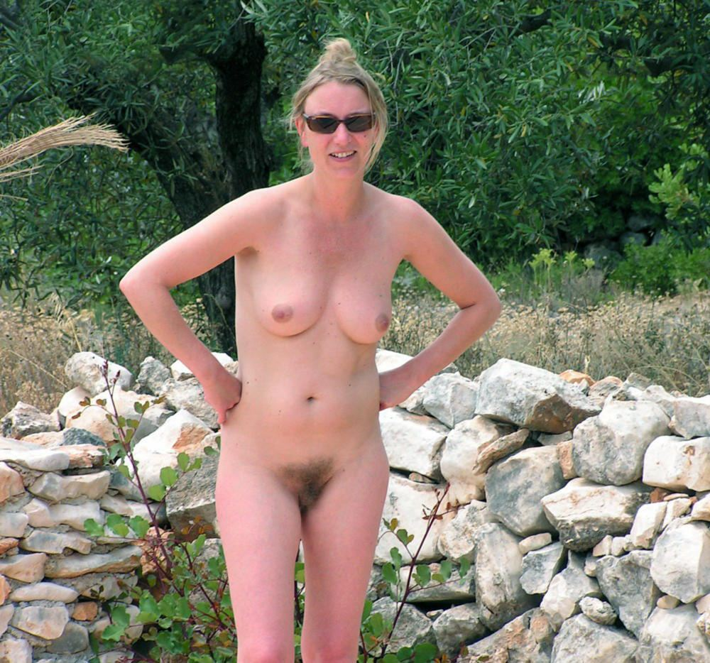 nudist woman