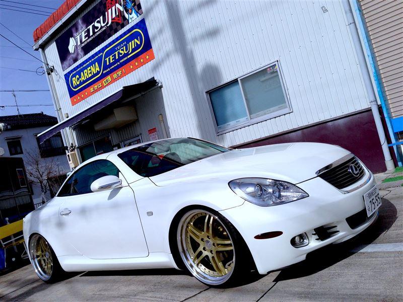 Lexus SC430, gleba, tuning, niskie zawieszenie, złote felgi, biały, white, Toyota Soarer Z40, V8, japoński samochód