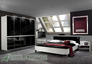 Seni kontemporer eropa di kamar tidur minimalis