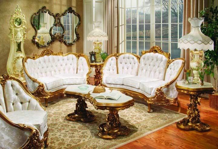 صورة لغرفة صالون باللون الأبيض