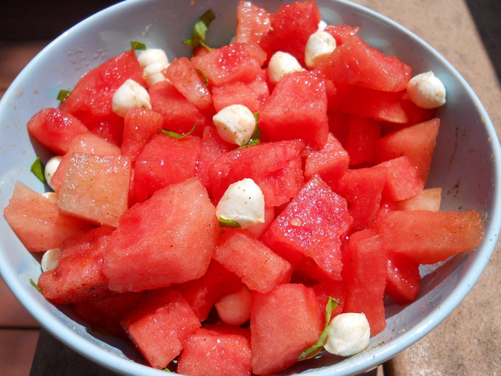 eat cook and love salade de melon d 39 eau bocconcini et. Black Bedroom Furniture Sets. Home Design Ideas