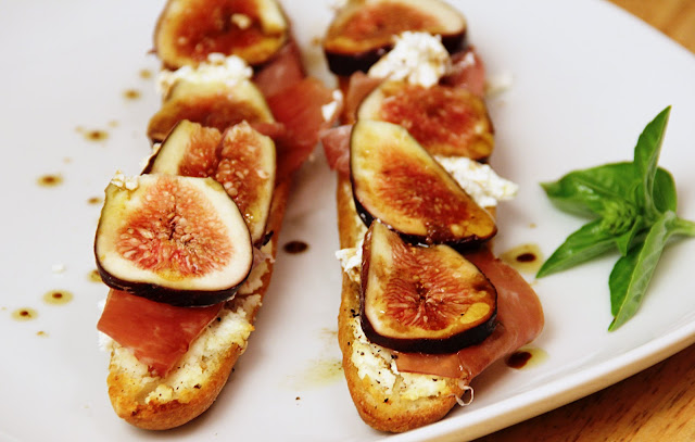 Fig, Goat Cheese, and Prosciutto Baguette