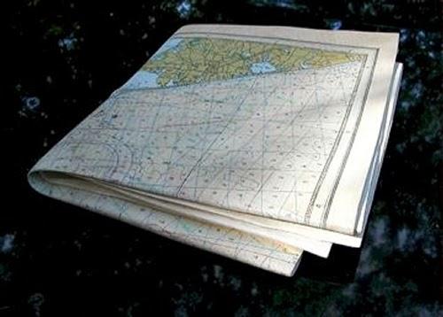 12-Map-Chart-4-Hyper-Realistic-Wood-Sculptures-Artist-Randall-Rosenthal-www-designstack-co