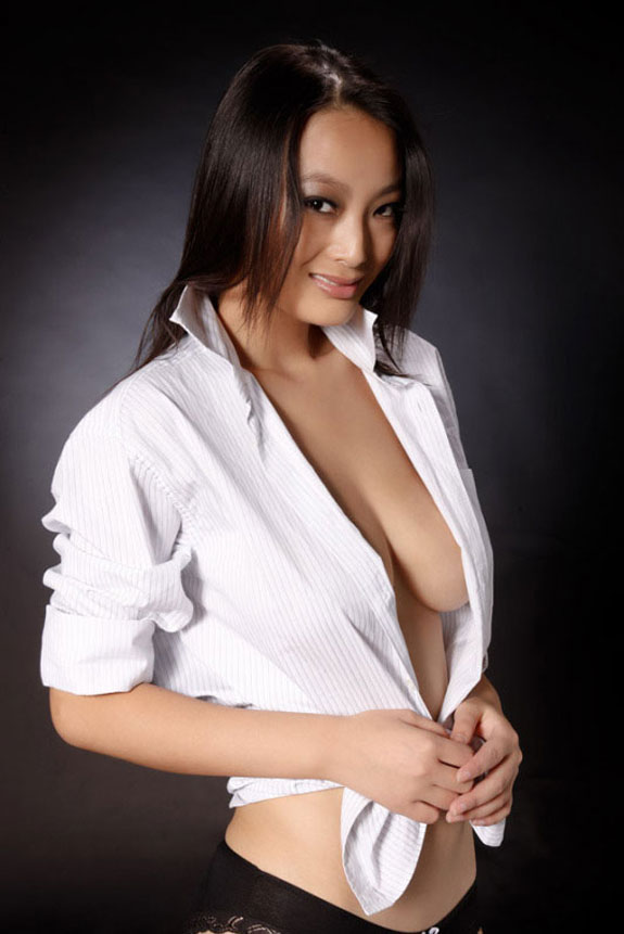 Chinese model 李梓熙 li zixi sex tape