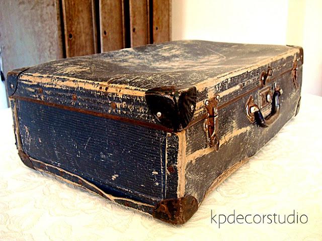 Maleta antigua de cartón duro años 20 y 30