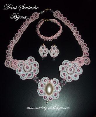 Conjunto em soutache composto de colar, brincos e pulseira
