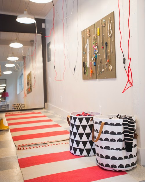 decoracao-quarto-tapetes-cestos