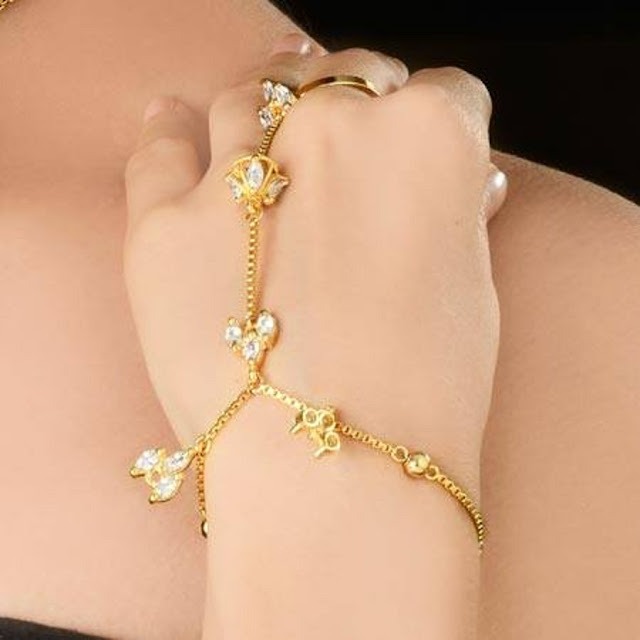 Beautiful Bracelet Ring Chain Wallpaper