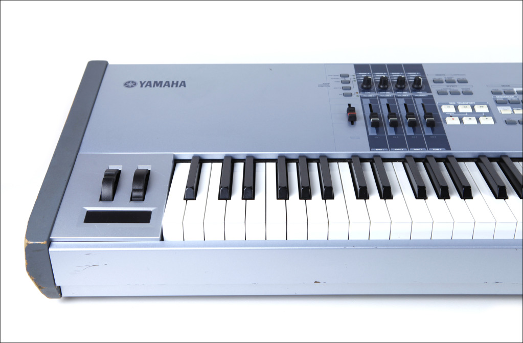 Matrixsynth yamaha motif es 8 keyboard sn ualk01479 for Yamaha motif keyboard