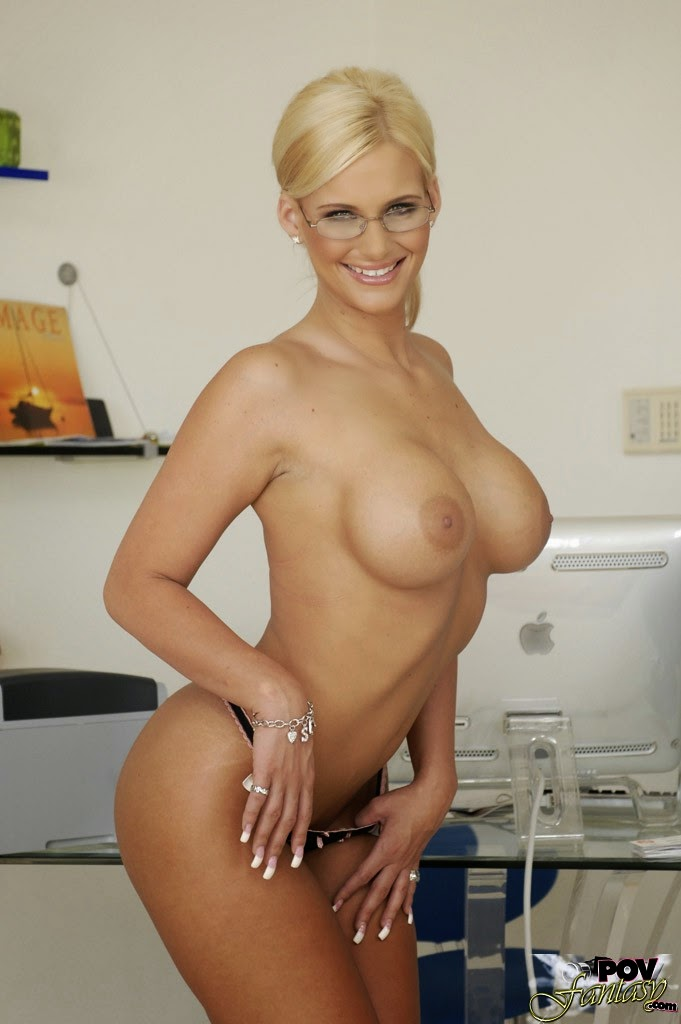 popular blonde porn starrs