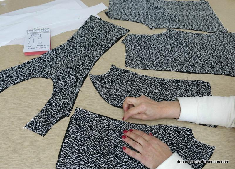 como coser un top de punto y encaje