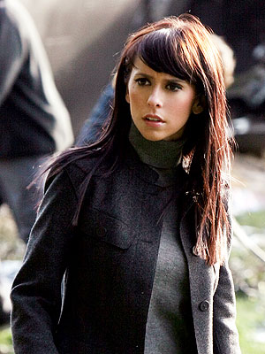 Jennifer Love Hewitt pictures ghost whisperer
