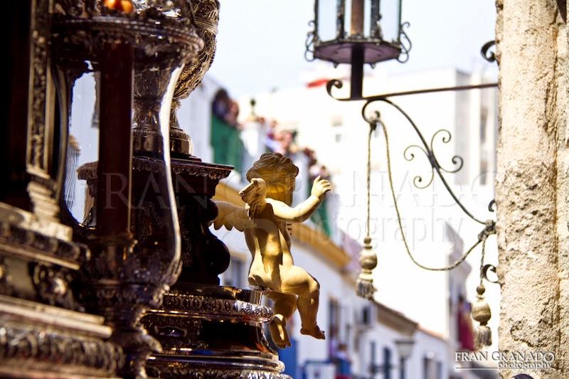 http://franciscogranadopatero35.blogspot.com/2015/05/el-sol-se-mezclo-entre-el-azul-y-plata.html