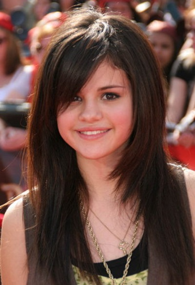 selena gomez short hair straight hair. selena gomez short hair 2011.