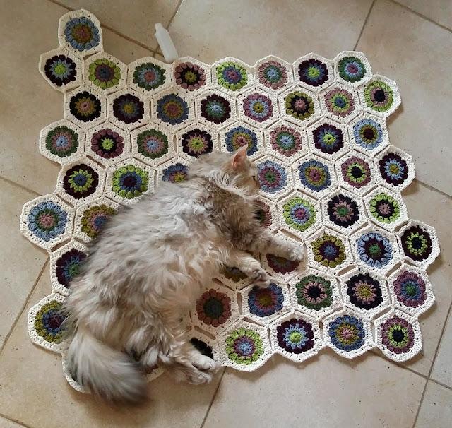 2015-05-25_hexagon-blanket.jpg