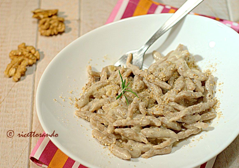 Trofie di castagne in vellutata di funghi ricetta di primi piatti di pasta fatta in casa