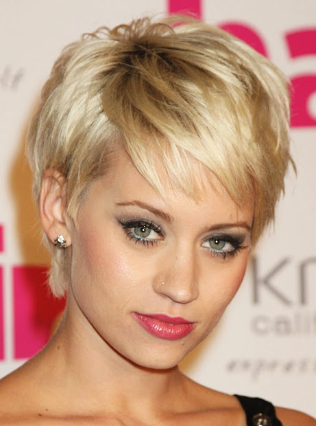 cute blonde haircuts long