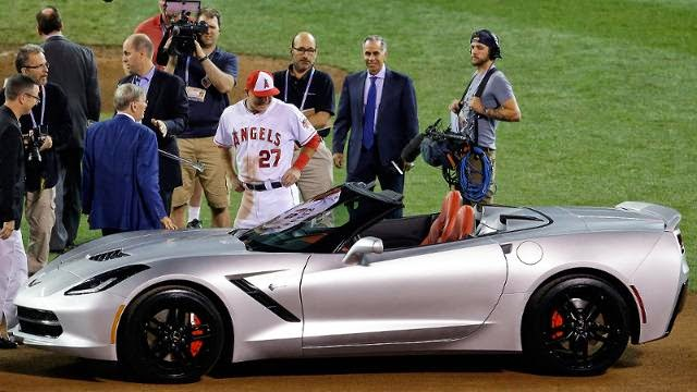 Chevrolet Sends Home Corvette Stingray Z51 with MLB All-Star MVP