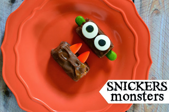 Easy Candy Monsters, Candy Monsters, Halloween recipes for kids, Snickers recipes, Halloween Celebrations, Dessert, Halloween Baking, Halloween Recipes, #SpookyCelebration #shop