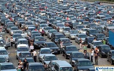 5 Rekor Kemacetan Terpanjang Dalam Sejarah Dunia - Kujelajahi.com