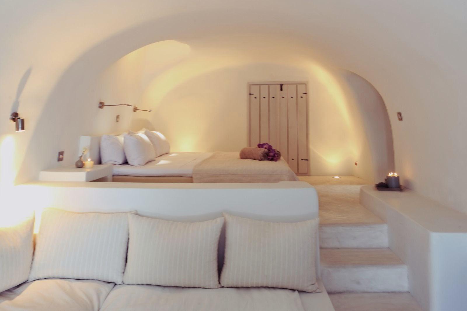 desain langit-langit unik kamar tidur di santorini