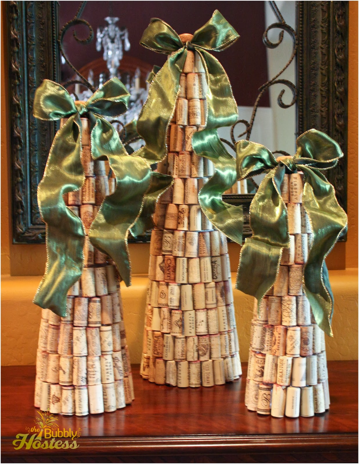 the bubbly hostess diy wine cork christmas trees topped. Black Bedroom Furniture Sets. Home Design Ideas