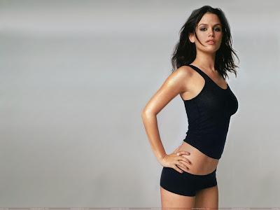 rachel_sarah_bilson_bikini_wallpaper_fun_hungama