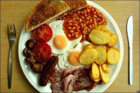Palabras referencias culturales desayuno con diamantes for Desayuno frances tradicional