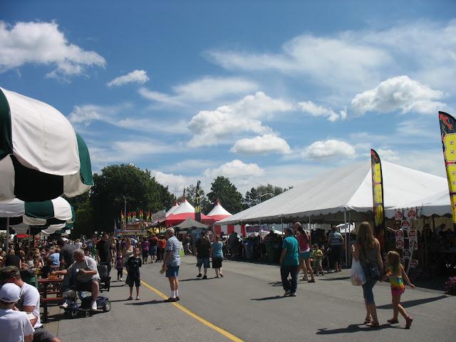 Delicious food vendors at the fair?