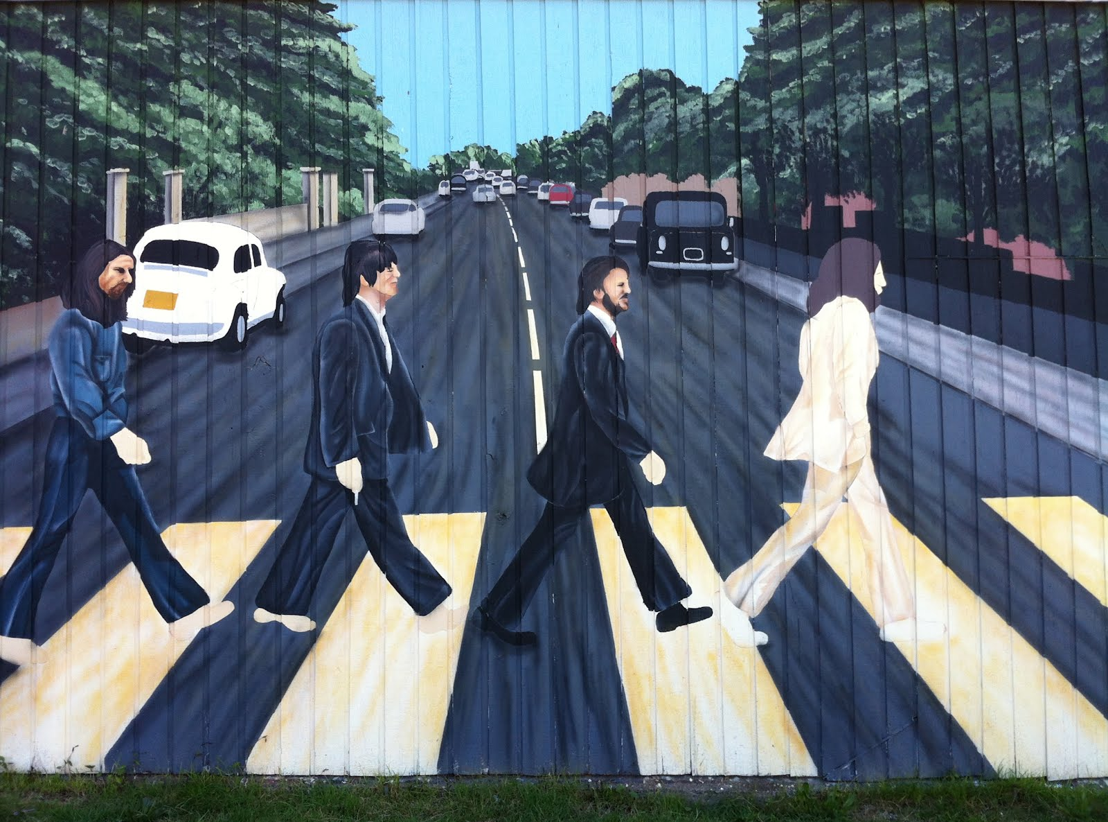 Travelmarx abbey road mural golden oldies records for Abbey road wall mural
