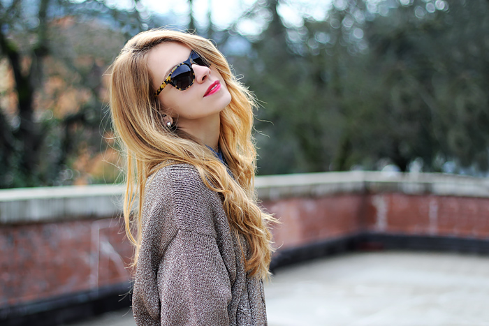 metallic sweater, illesteva sunglasses