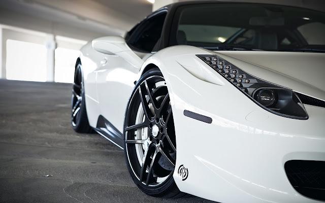 Foto Mobil Ferrari 458 Italia White Keren