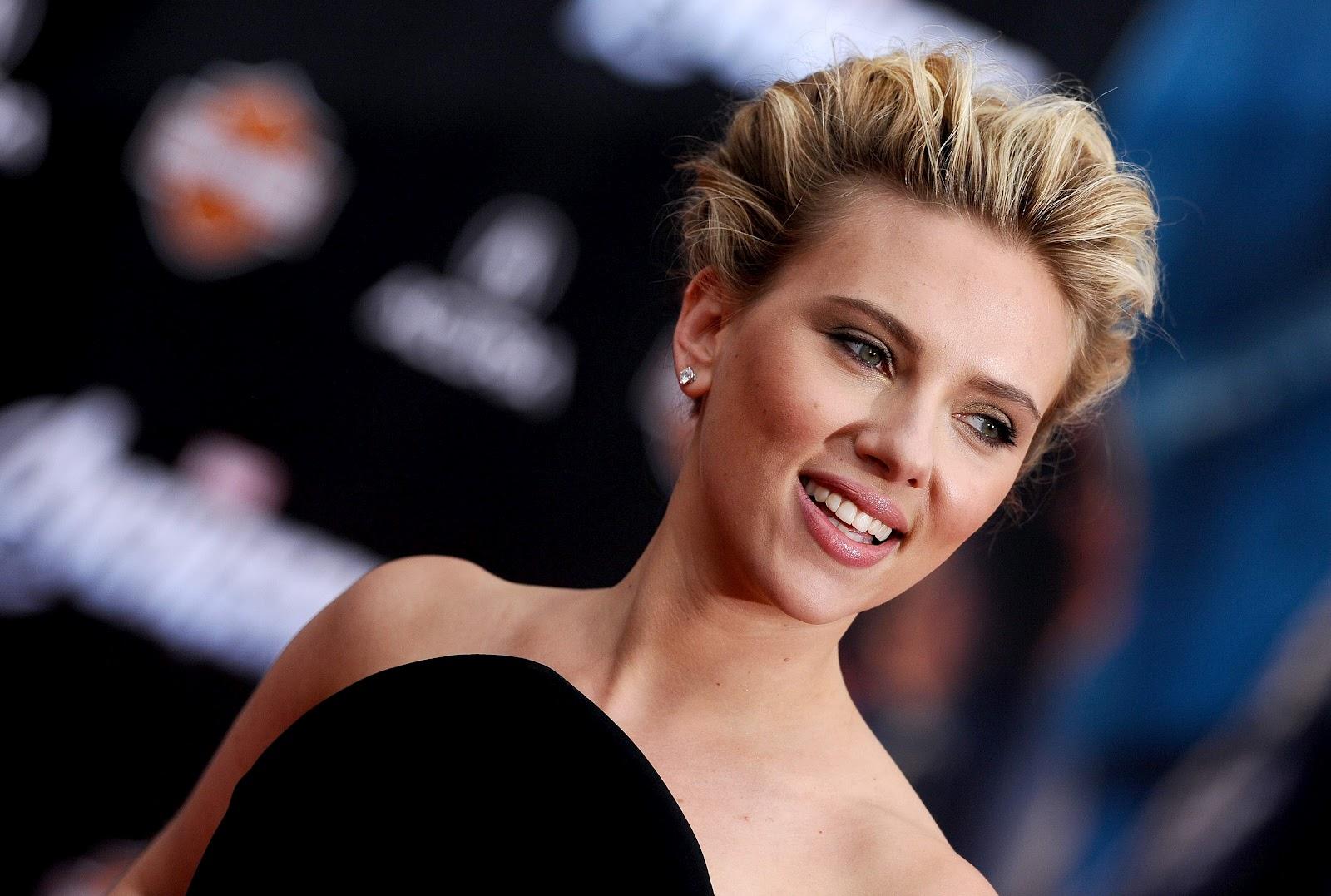 http://3.bp.blogspot.com/-pcAaldoxxeA/T-UTiNvhGwI/AAAAAAAAHME/h5wkdGe5OnU/s1600/Scarlett+Johansson-7.jpg