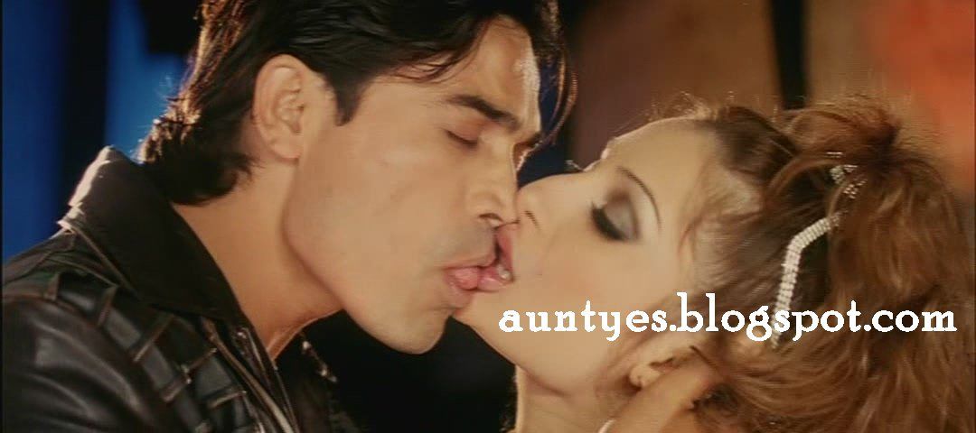 Negar Khan Hot Kiss