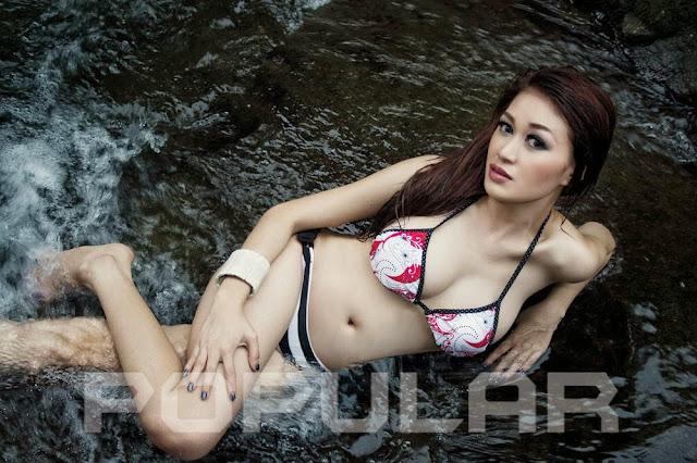 Kumpulan Foto Seksi Adella Faradilla