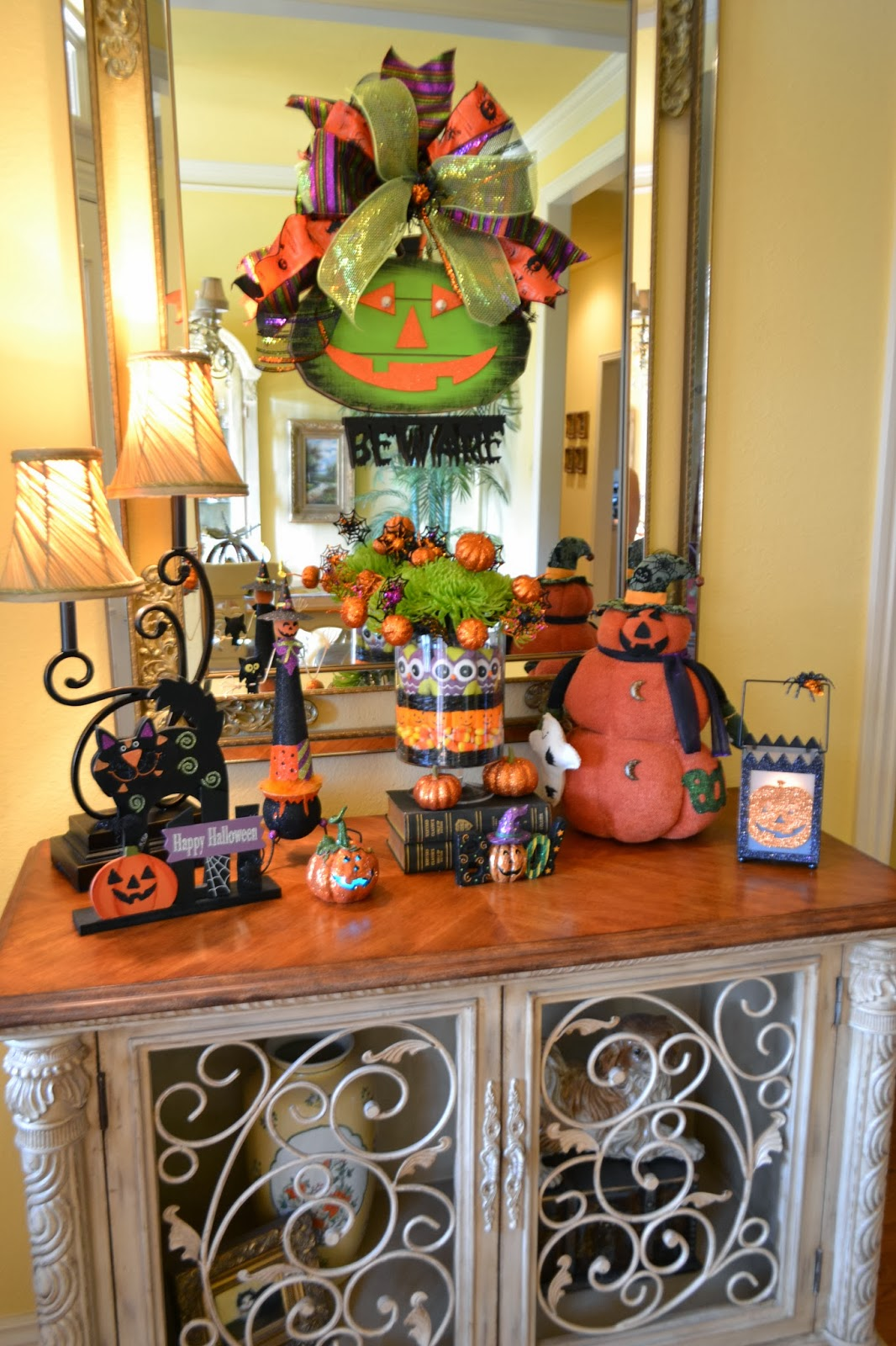 halloween candy arrangement and vignette