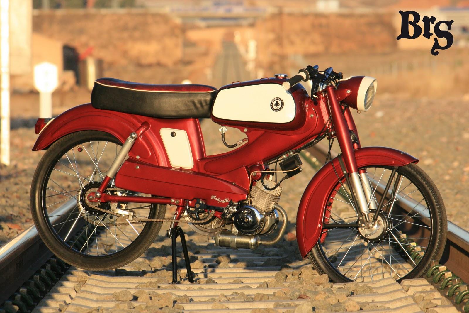 burning road store rock biker shop zaragoza mobylette sp50 1965 3 parte y ltima. Black Bedroom Furniture Sets. Home Design Ideas