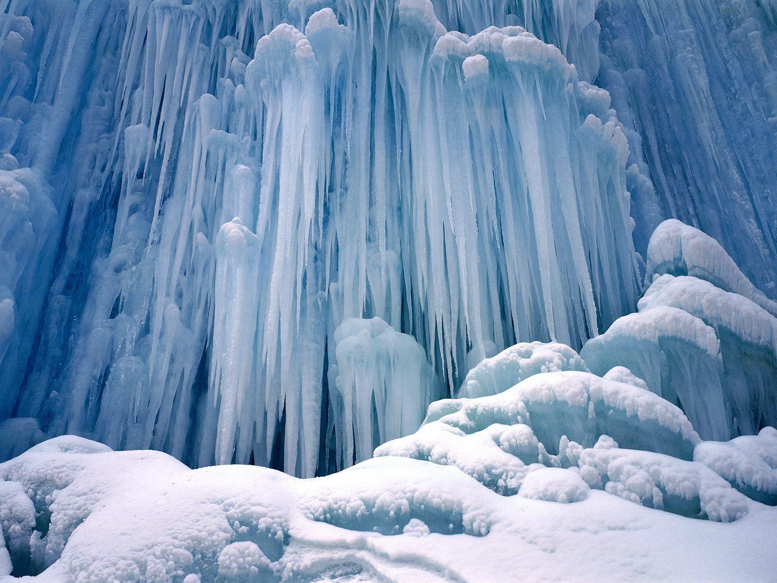 http://3.bp.blogspot.com/-pcnjTjv1ZT4/TbWduz3UjDI/AAAAAAAACdY/_-k9xhcaB6s/s1600/Ice_Castle_Waterfall_-_Yoho_National_Park%252C_British_Columbia.jpg