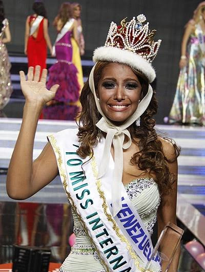 elizabeth mosquera,miss international 2010