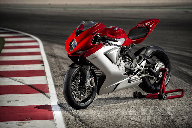 2014 MV Agusta F3 800 Red Silver 34 front L+%25281%2529