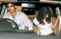 Zaheer Khan's Marriage - Zaheer Khan To Marry Girl Friend ...
