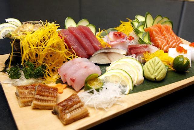 Diamond Hotel's Yurakuen Japanese Restaurant Sashimi Platter