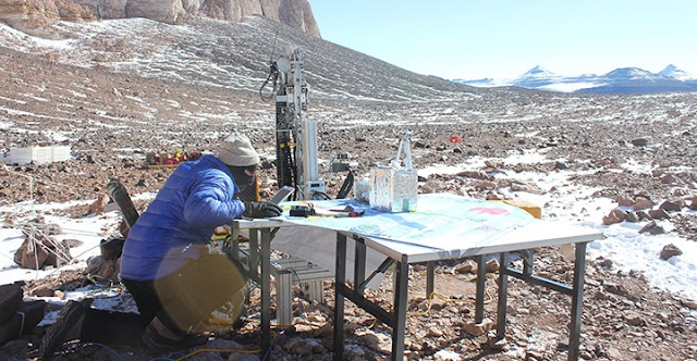 The average daily air temperature in the Antarctic summer of 2013, when Goordial collected the permafrost samples which she tested both on the spot and later in the lab, was − 14 °C and it never rose above 0 °C, making the permafrost difficult to drill.(Credit Jackie Goordial)