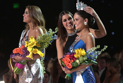 Miss Universe 2015 puts crown on Miss Philippines Pia Wurztbach