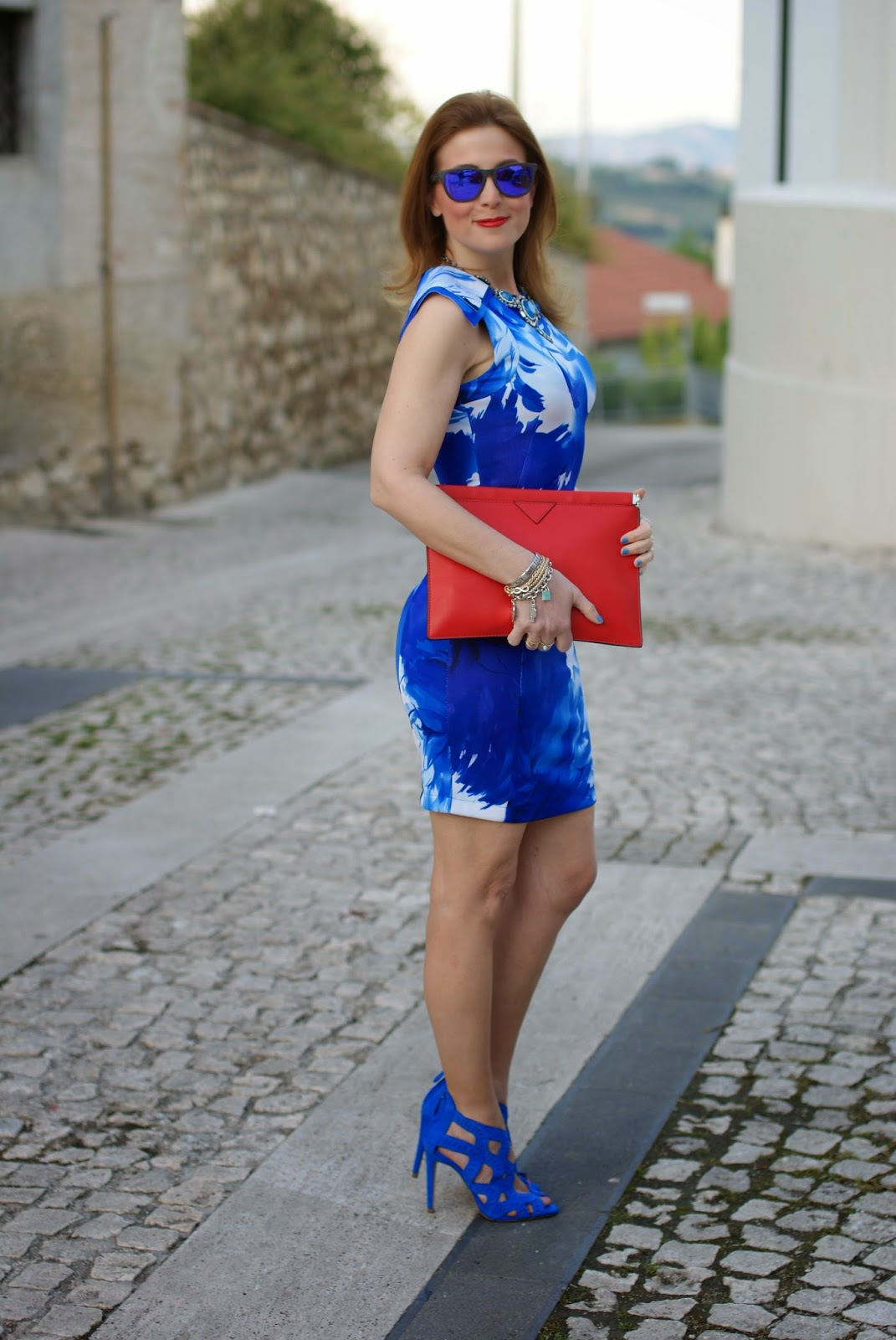 Red clutch, blackfive dress, blue bodycon short dress, Fashion and Cookies, fashion blogger