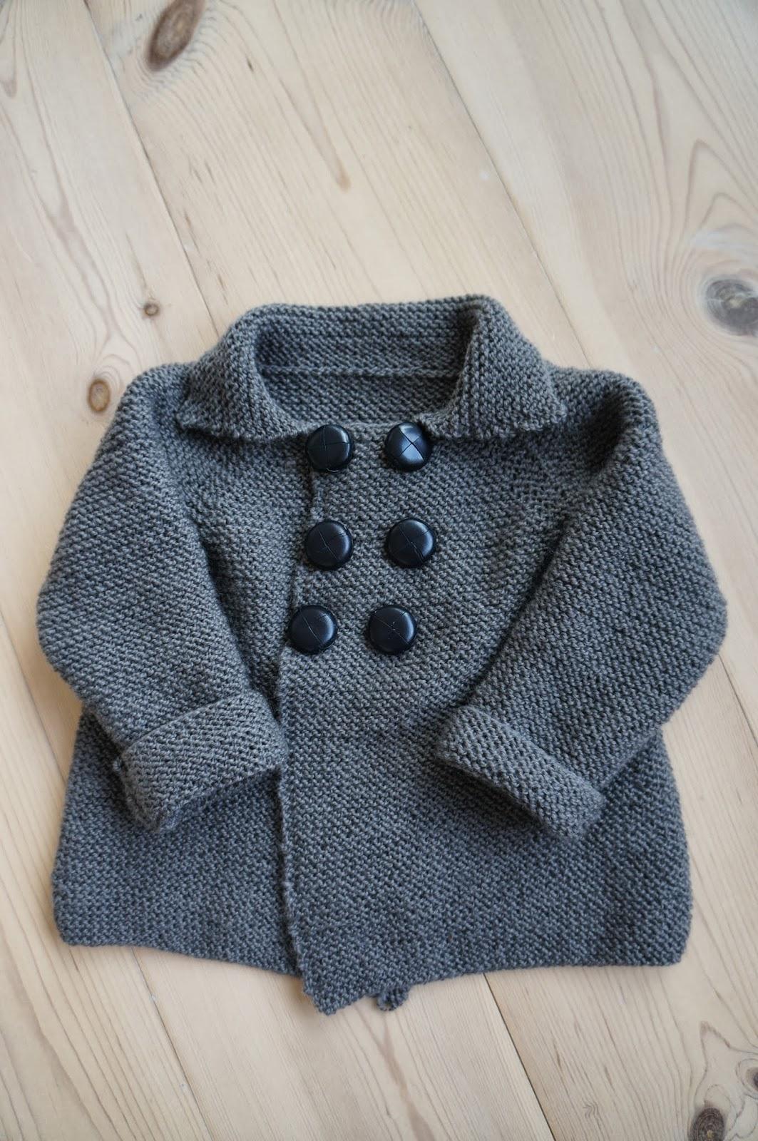strikket hættetrøje til baby