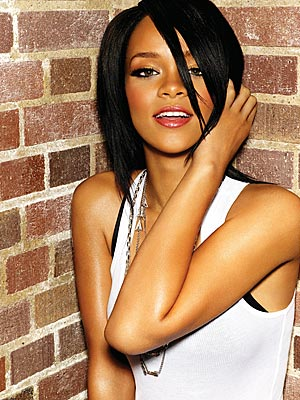 SMAs Music Blog: Rihanna