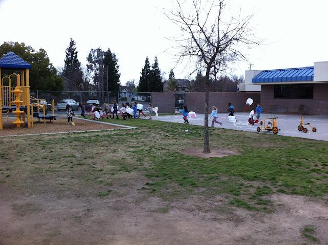 Plastic Bag Kites in Preschool : teachingthelittlepeople.com
