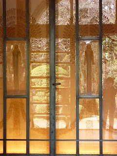 庭園美術館のルネ・ラリックのレリーフが素敵です。